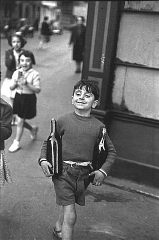 Cartier-Bresson - rue mouffetard - 1954.jpg