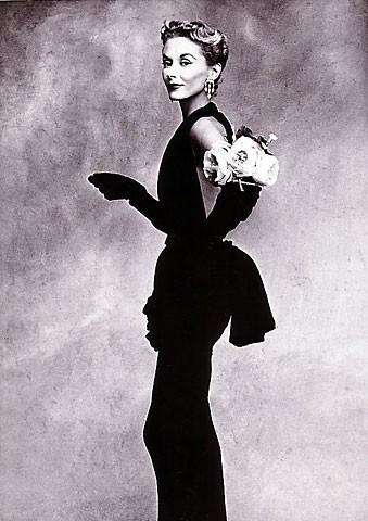 Penn Irving - femme avec des roses.jpg
