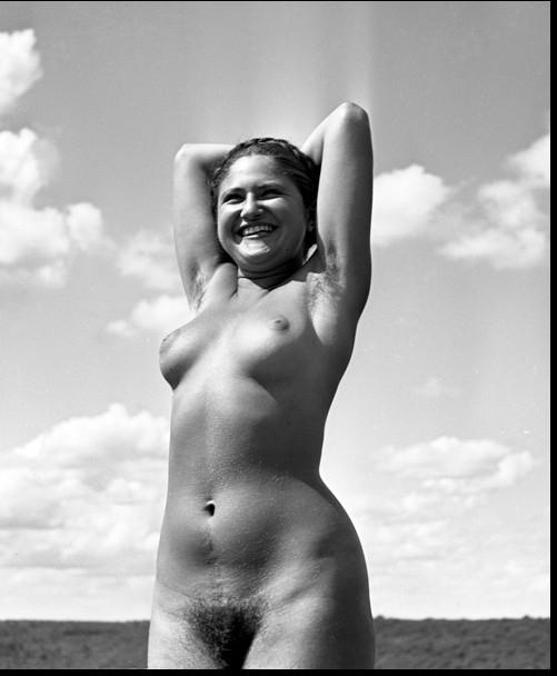 1937_Dina Vierny.jpg