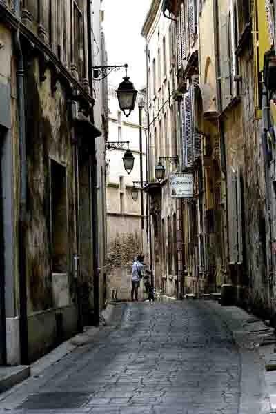 5372 - une rue d'Arles.jpg