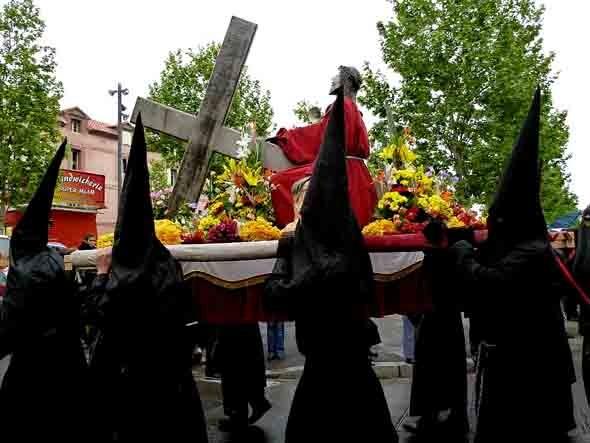 La Sanche 2011 pénitents noirs.jpg