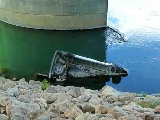blog - 154 - voiture immergée.jpg