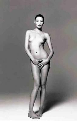 Carla Bruni - 1993.jpg