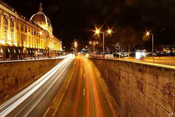 Lyon - Hôtel Dieu la nuit_.jpg