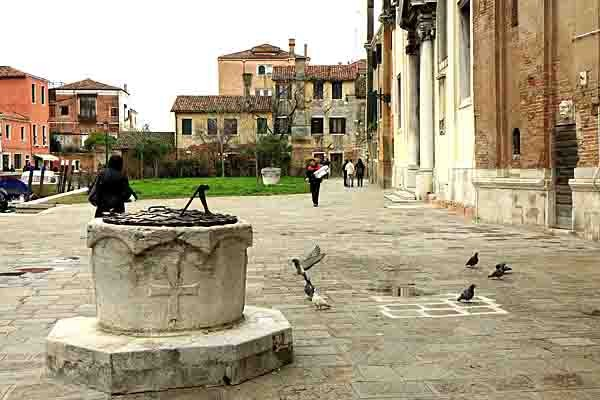 Venise - vers San Trovaso - 4933.jpg