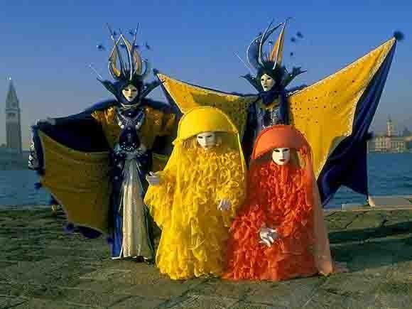 masques jaunes.jpg