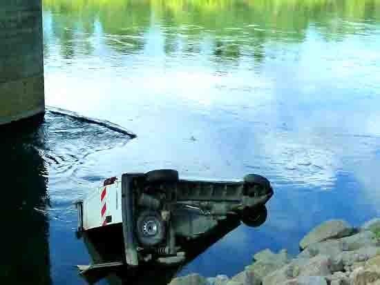 blog -155- voiture immergée.jpg