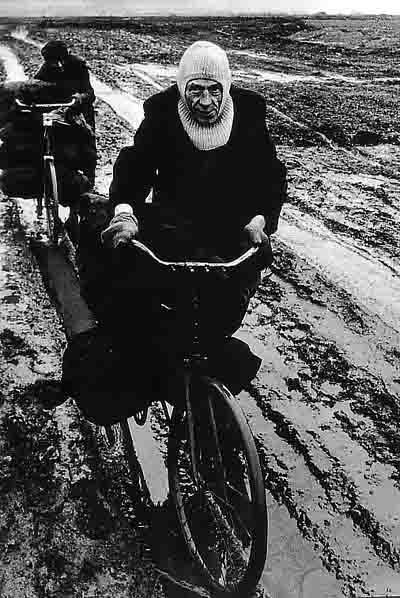 transport de sac de charbon - Sunderland - 1972.jpg