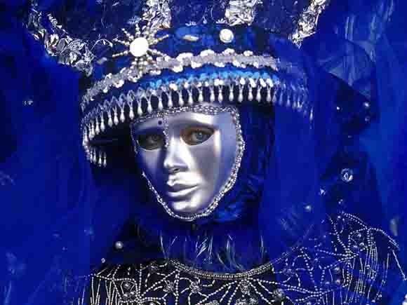 masque bleu.jpg