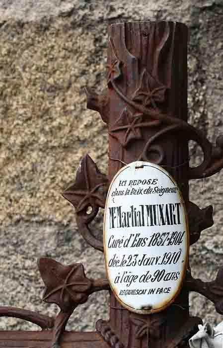 cimetière d'Eus-blog.jpg