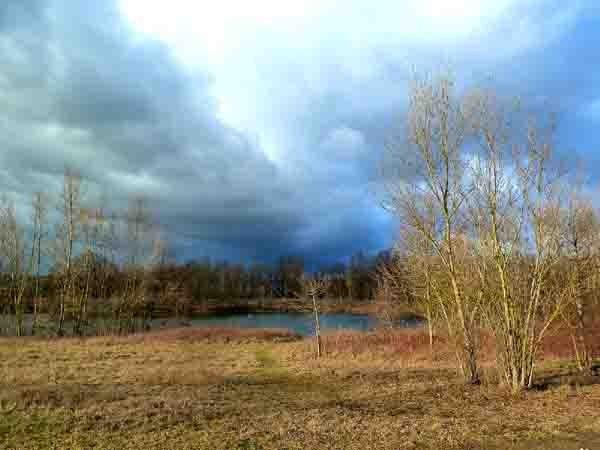Jonage - le lac bleu-2.jpg