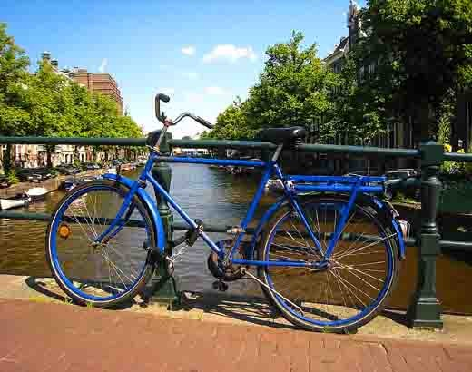 vélo bleu.jpg