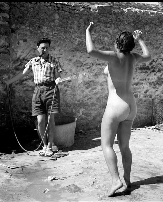 1937_Dina Vierny par Pierre Jjamet.jpg