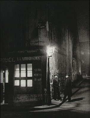 Commissariat de police, Paris, 1933.jpg