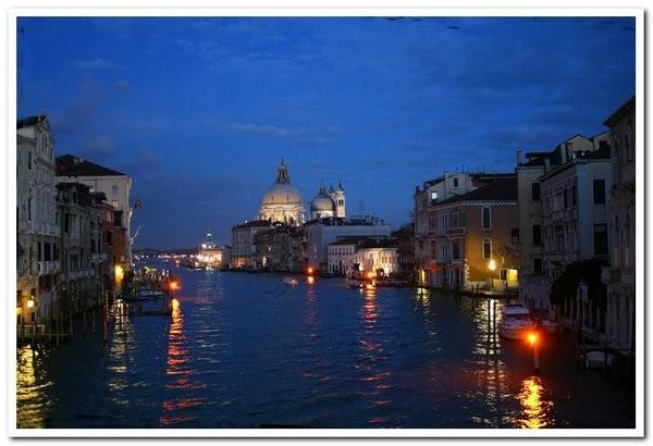 venise 1 -le Grand canal la nuit_.jpg