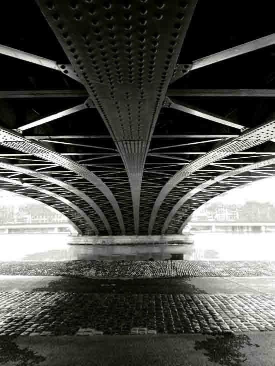 Pont sur le Rhône_.jpg