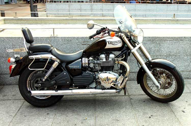 moto Triumph_0135 copie.jpg